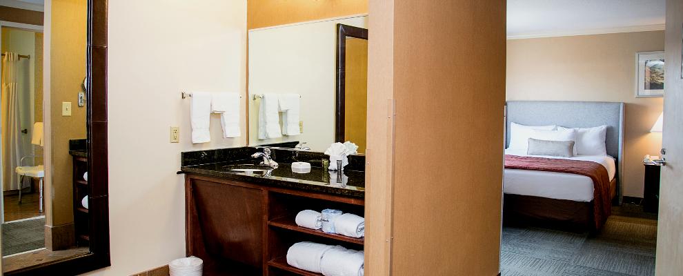Club Queen Suite at Athens, GA hotel on UGA campus
