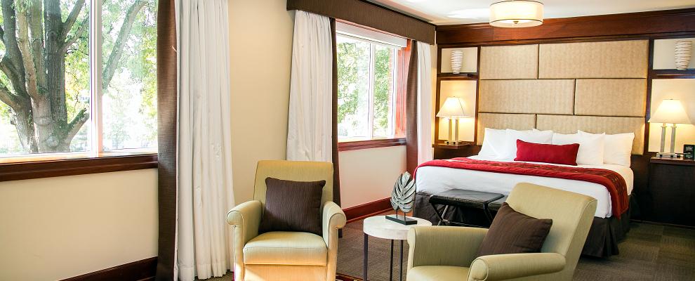 Big windows in the Regency King suite