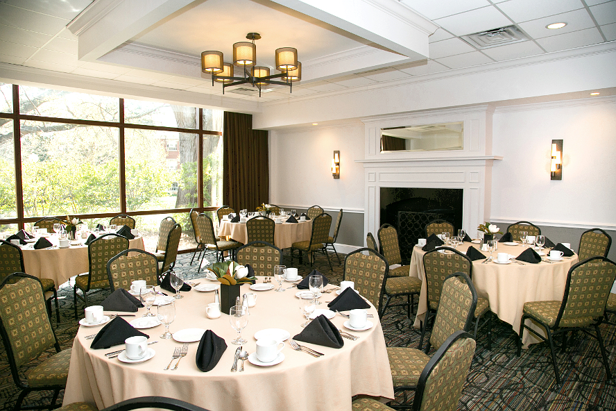 Oak Room for intimate banquets in Athens, GA