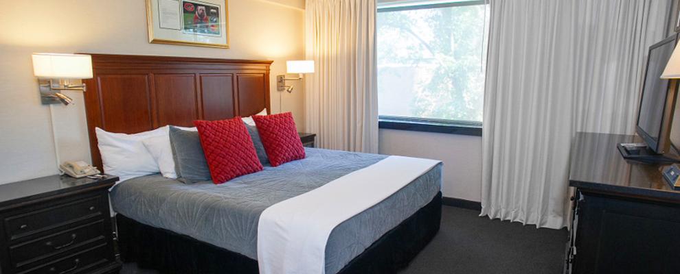 Uga Suite bedroom view