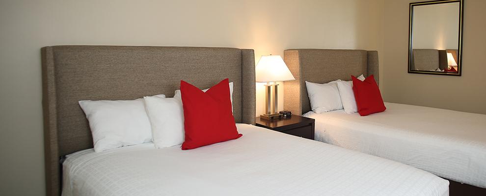 Alumni Queen Suite Bedroom Closer